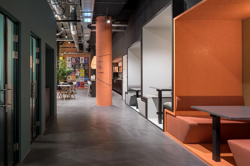 TSH Collab corridor